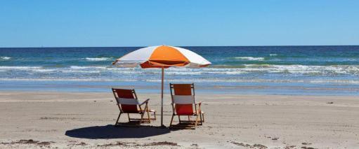 beach-chairs_51405_95538-990x415