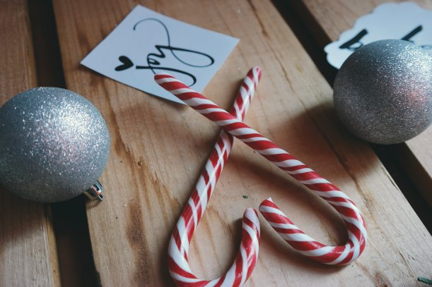 balls-candy-cane-christmas-247074